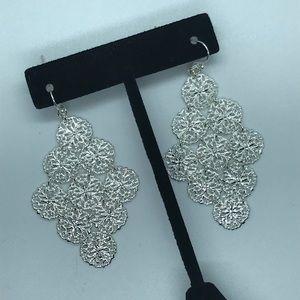 Jewelry - Fun filigree drop earrings
